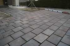 Japanese ceramic tile Photo:WABI-SABI PLATE