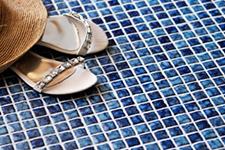 Japanese ceramic tile Photo:STARDUST