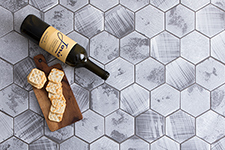 Japanese ceramic tile Photo:ROKKA-BB
