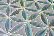 Japanese ceramic tile Photo:KLOLO