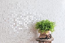 Japanese ceramic tile Photo:GAKU-PLAIN