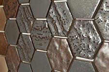 Japanese ceramic tile Photo:Alveare