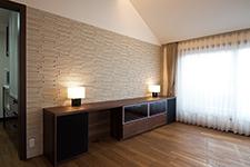Japanese ceramic tile Photo:ACE