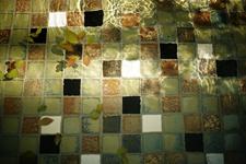 Japanese ceramic tile Photo:LOVELY DEGE