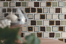 Japanese ceramic tile Photo:Cranches